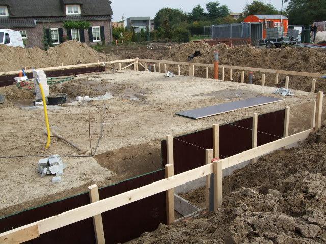 Nieuwe Badkamer Plaatsen ~ bruine pvc buis is riolering van de badkamer