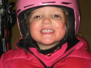 "Elin vond 1e skiles leuk en vraagt ""mag ik nog een keer skiën?"""